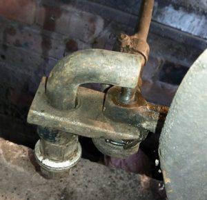 Замена наконечников рулевых тяг на приоре своими руками 9