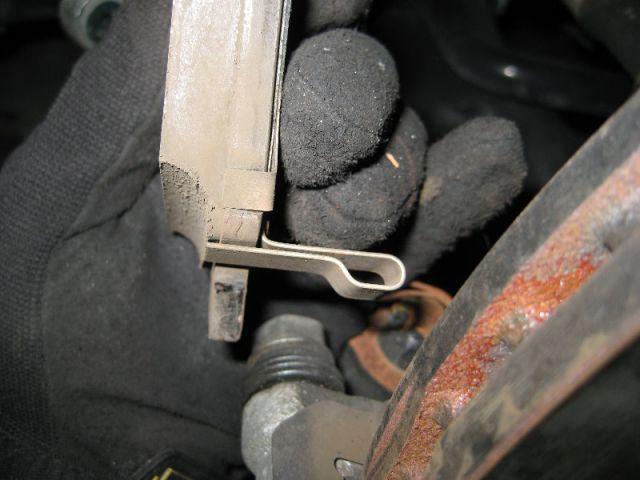 Hyundai Elantra - замена тормозных колодок своими руками